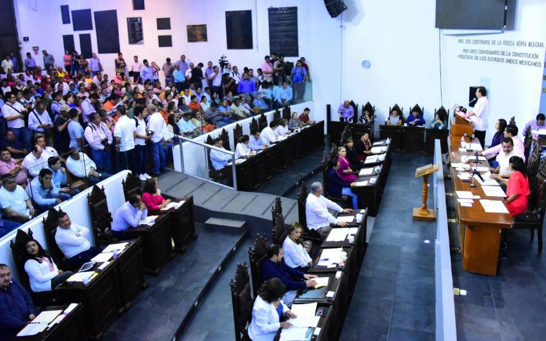Comparece ante el Pleno de la LXIII Legislatura el titular de Finanzas del Estado