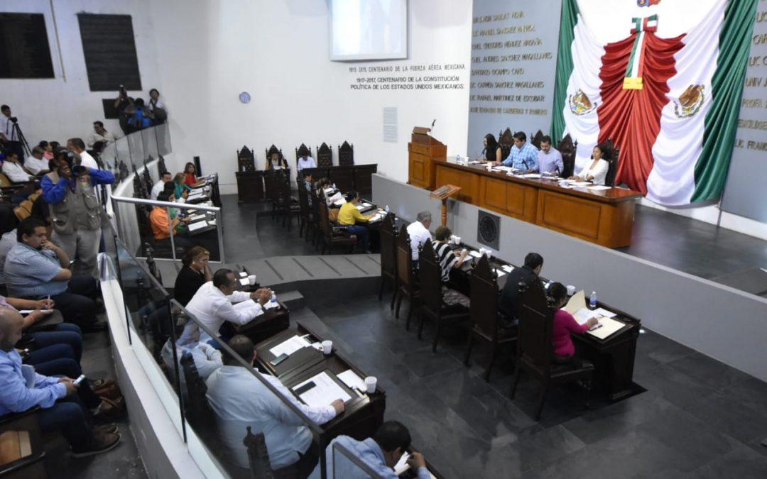 Debaten legisladores sobre lo expuesto en el Sexto Informe de Gobierno y la situación que impera en la entidad