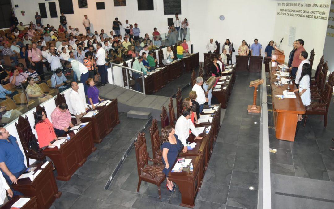 Avalan los 17 Ayuntamientos reforma constitucional para eliminar el fuero y reducir el financiamiento público de los partidos políticos