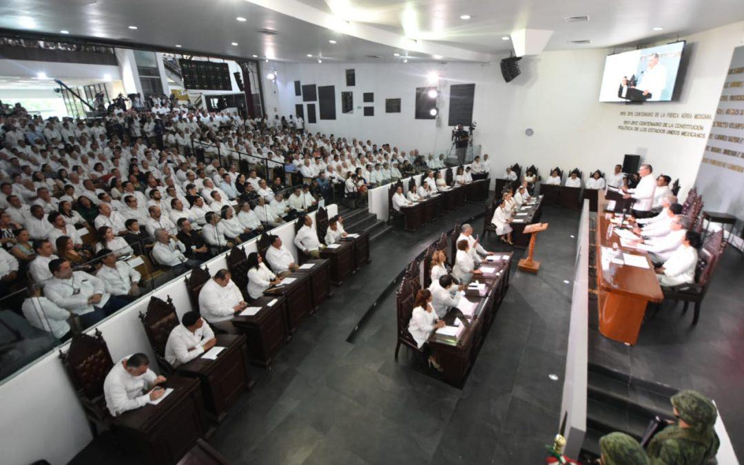 Toma protesta la LXIII Legislatura a Adán Augusto López Hernández como Gobernador Constitucional del Estado de Tabasco