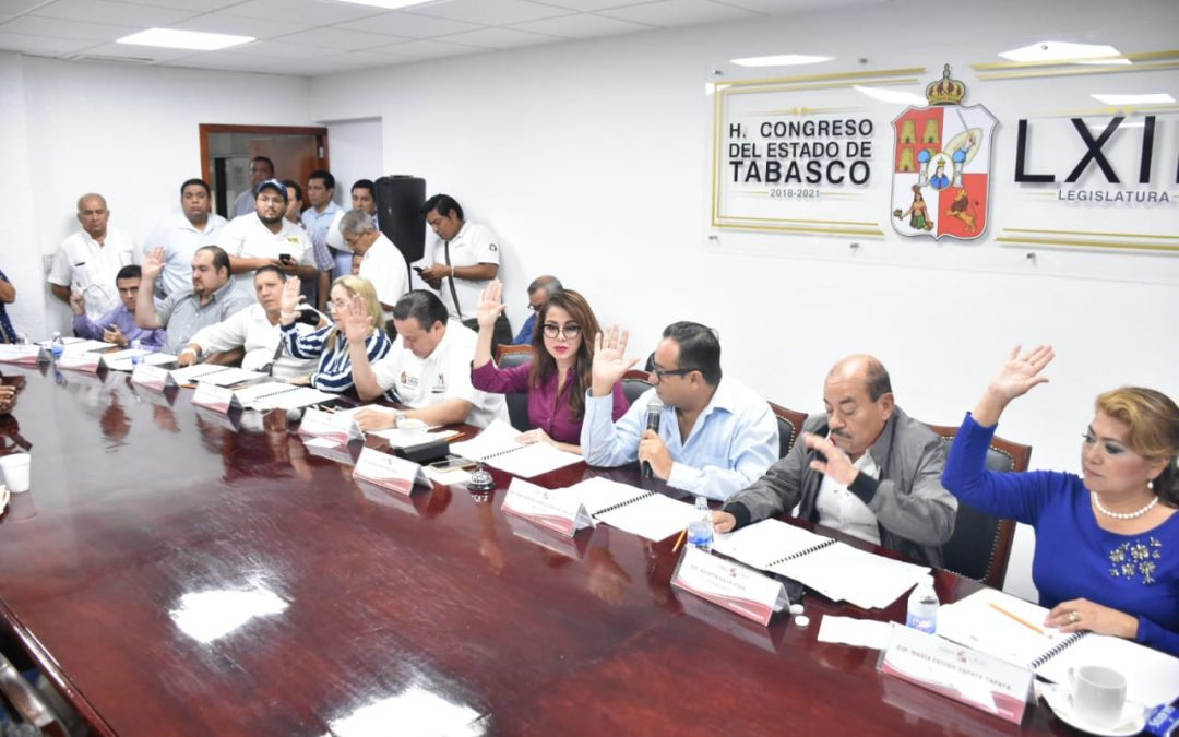 Otorgan licencia a los diputados Nelly Vargas Pérez, Ariel Cetina Bertruy y Sheila Cadena Nieto