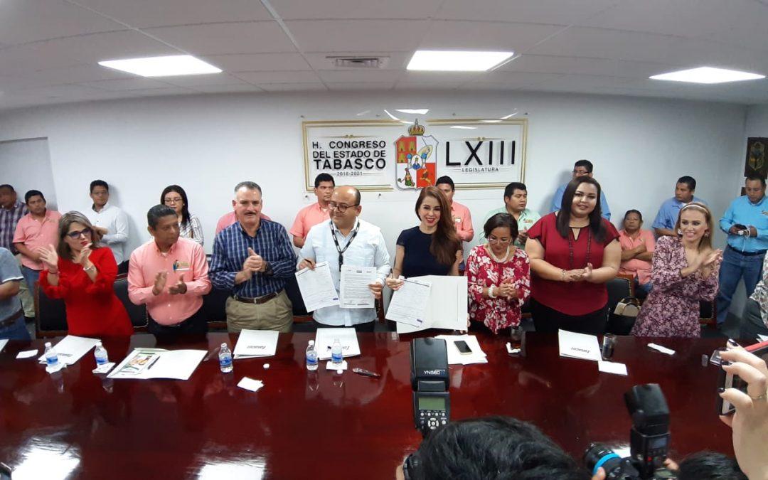 Signa Convenio Congreso del Estado con el Instituto FONACOT