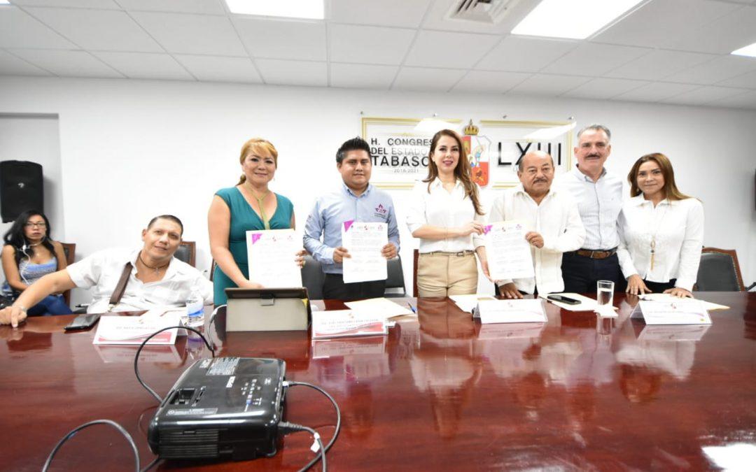 """Signa Congreso del Estado convenio de cooperación con la Congregación """"Mariana Trinitaria"""" A.C."""