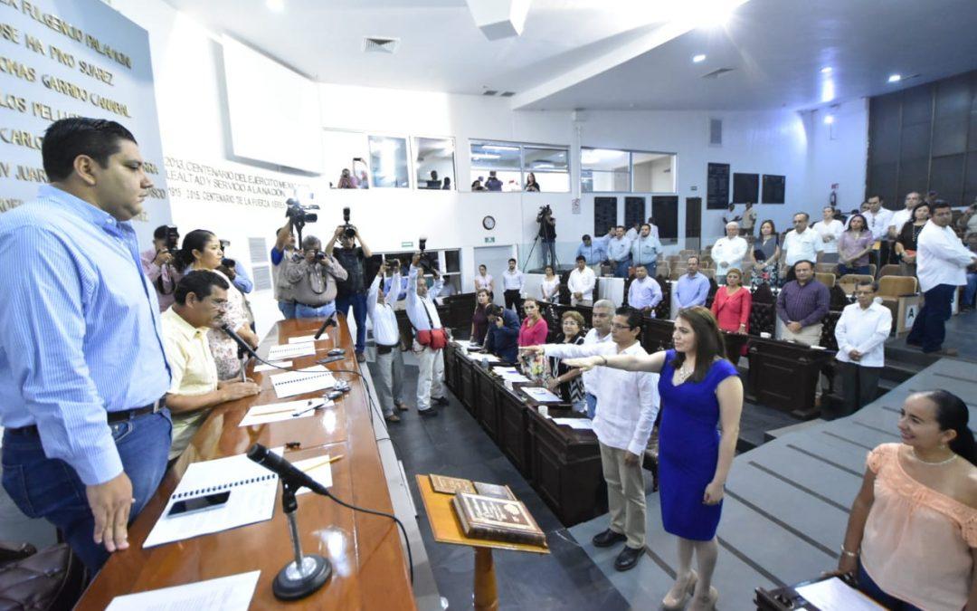 Congreso toma protesta a dos integrantes del Comité de Participación Ciudadana del SEA