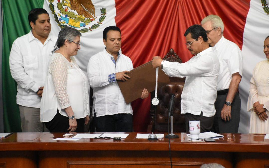 Entrega LXIII Legislatura Medalla al Mérito por la Defensa del Medio Ambiente 2019 a Lilia María Gama Campillo