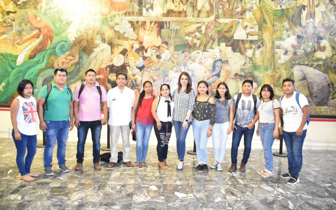 Estudiantes de la Universidad Intercultural del Estado de Tabasco visitan el Recinto Legislativo