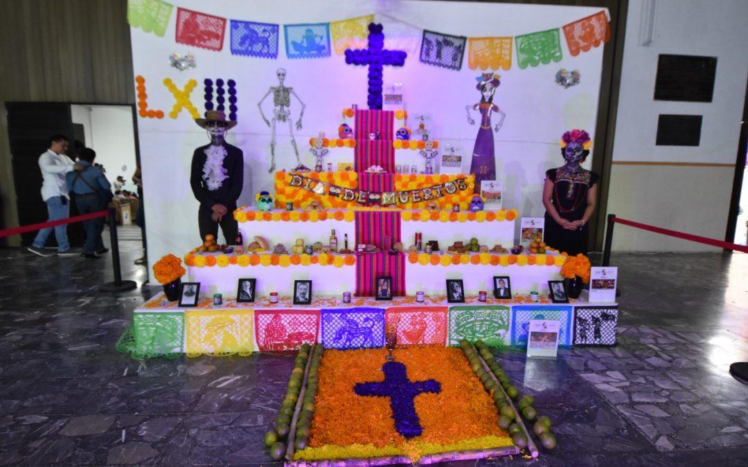 Colocan altares en el Congreso del Estado por conmemoración del Día de Muertos