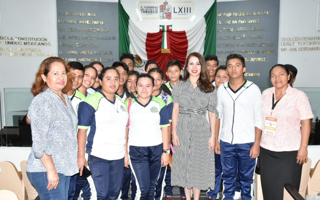 Estudiantes de Telesecundaria visitan el Congreso de Tabasco