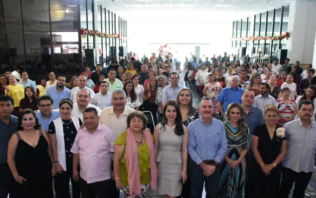 Celebra Congreso del Estado evento navideño con la base trabajadora
