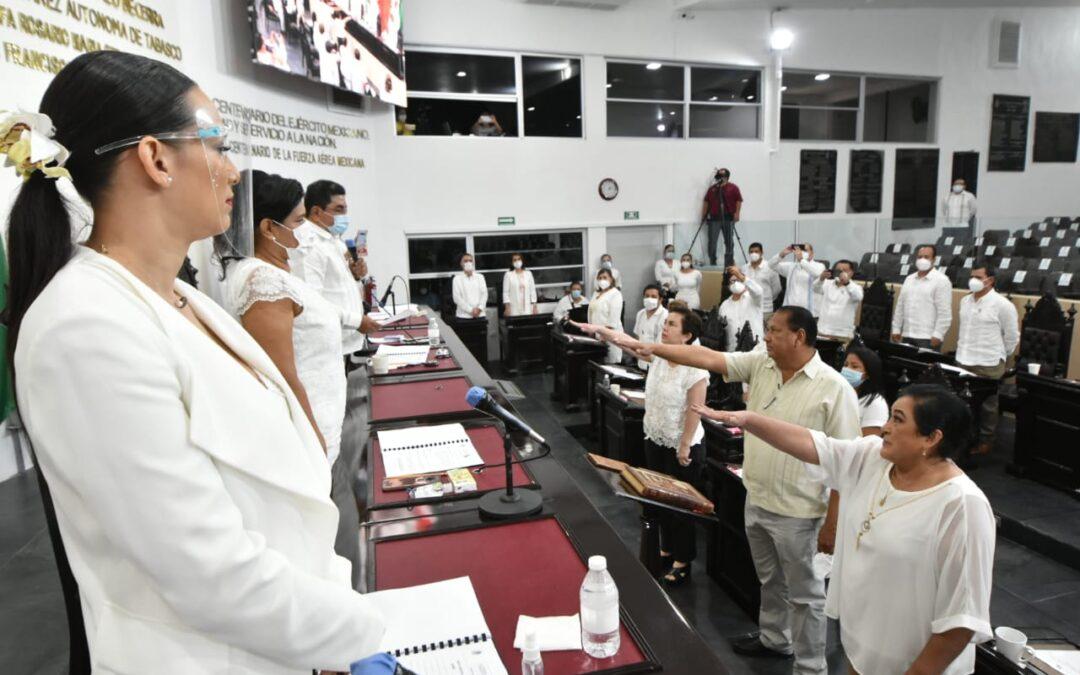 Congreso del Estado designa y toma protesta al Concejo Municipal de Macuspana