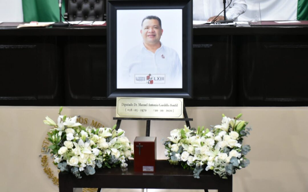 Realizan Homenaje Póstumo y Develan Placa en memoria del Diputado Manuel Antonio Gordillo Bonfil