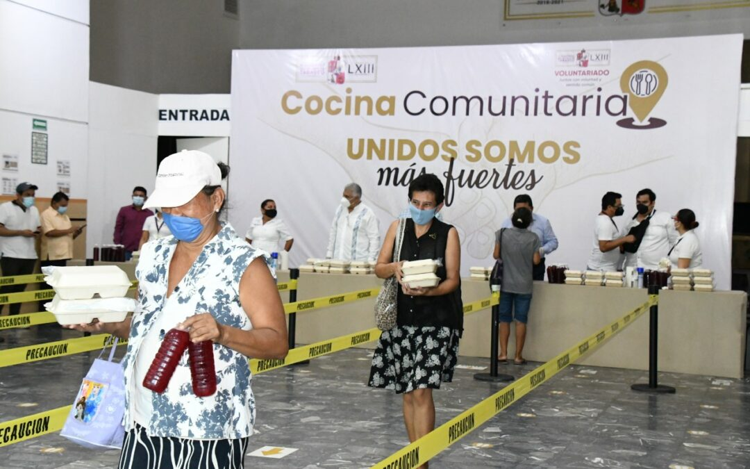 """Atiende diariamente Congreso del Estado en la """"Cocina Comunitaria"""" a personas afectadas por inundaciones"""