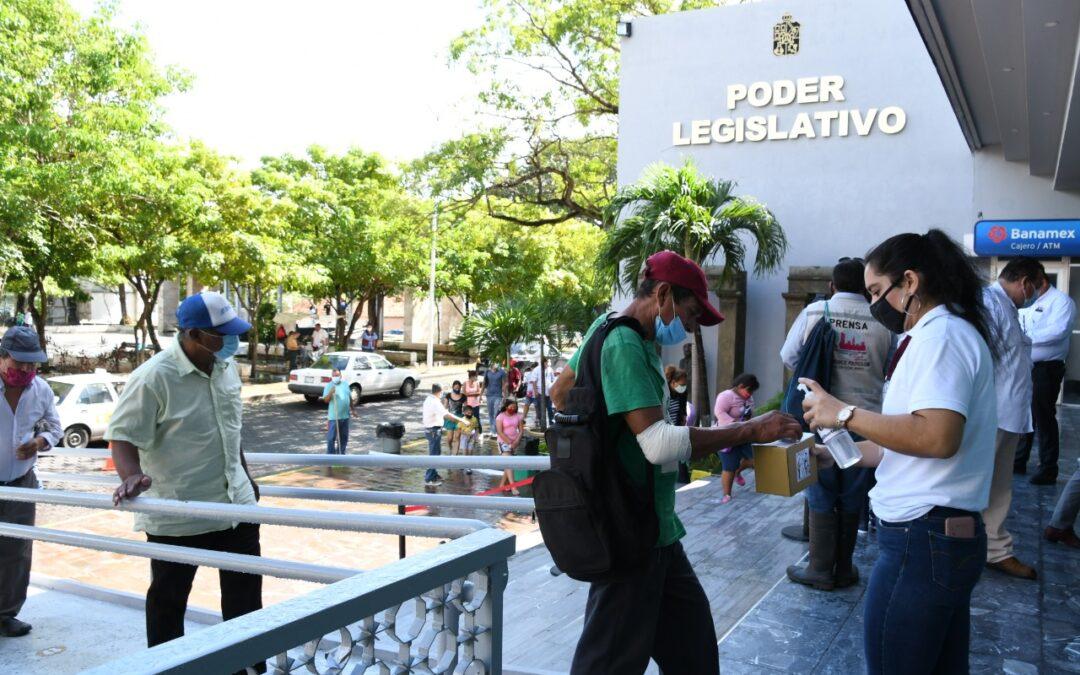 """Legisladores continúan con entrega de comidas en la """"Cocina Comunitaria"""""""