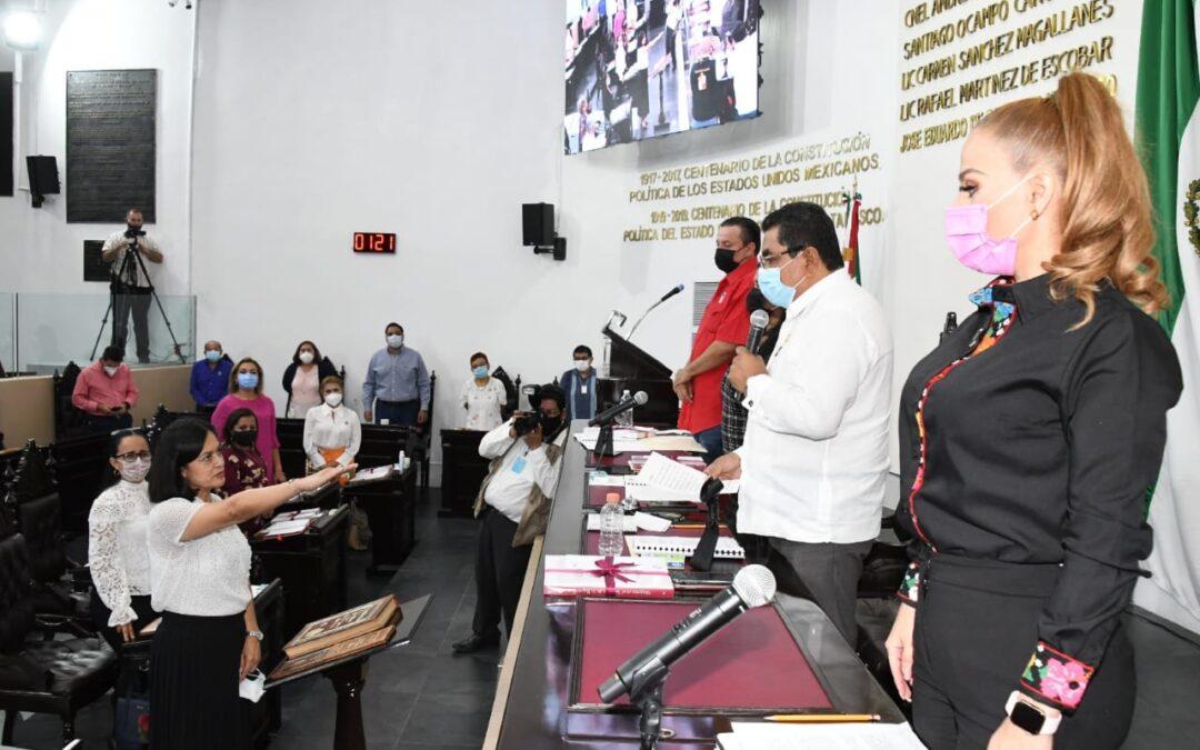 Designan y toman protesta a nueva Comisionada propietaria del Itaip