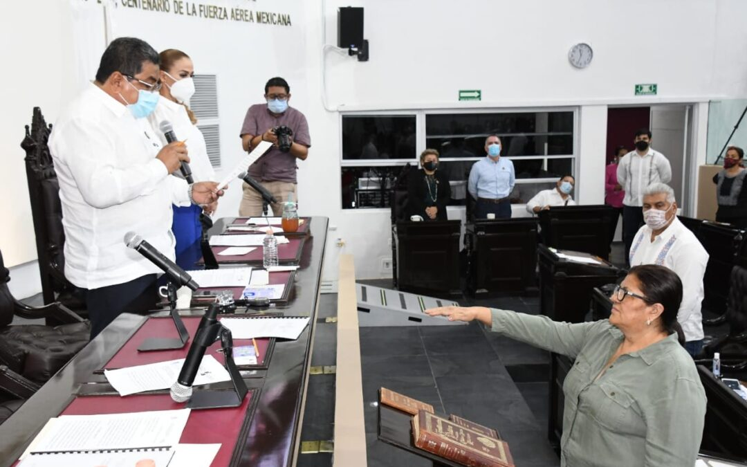 Rinde protesta Perla Clara del Rocío Pérez De la Cruz como integrante de la LXIII Legislatura